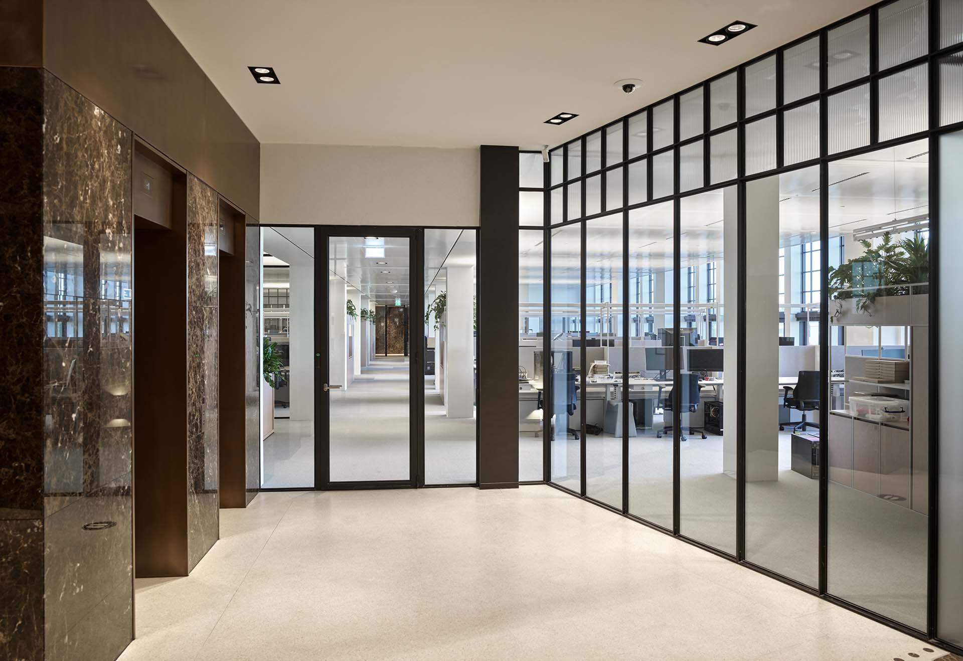 Kasbank-Amsterdam-MHB-steel-windows-sl30-guerilla