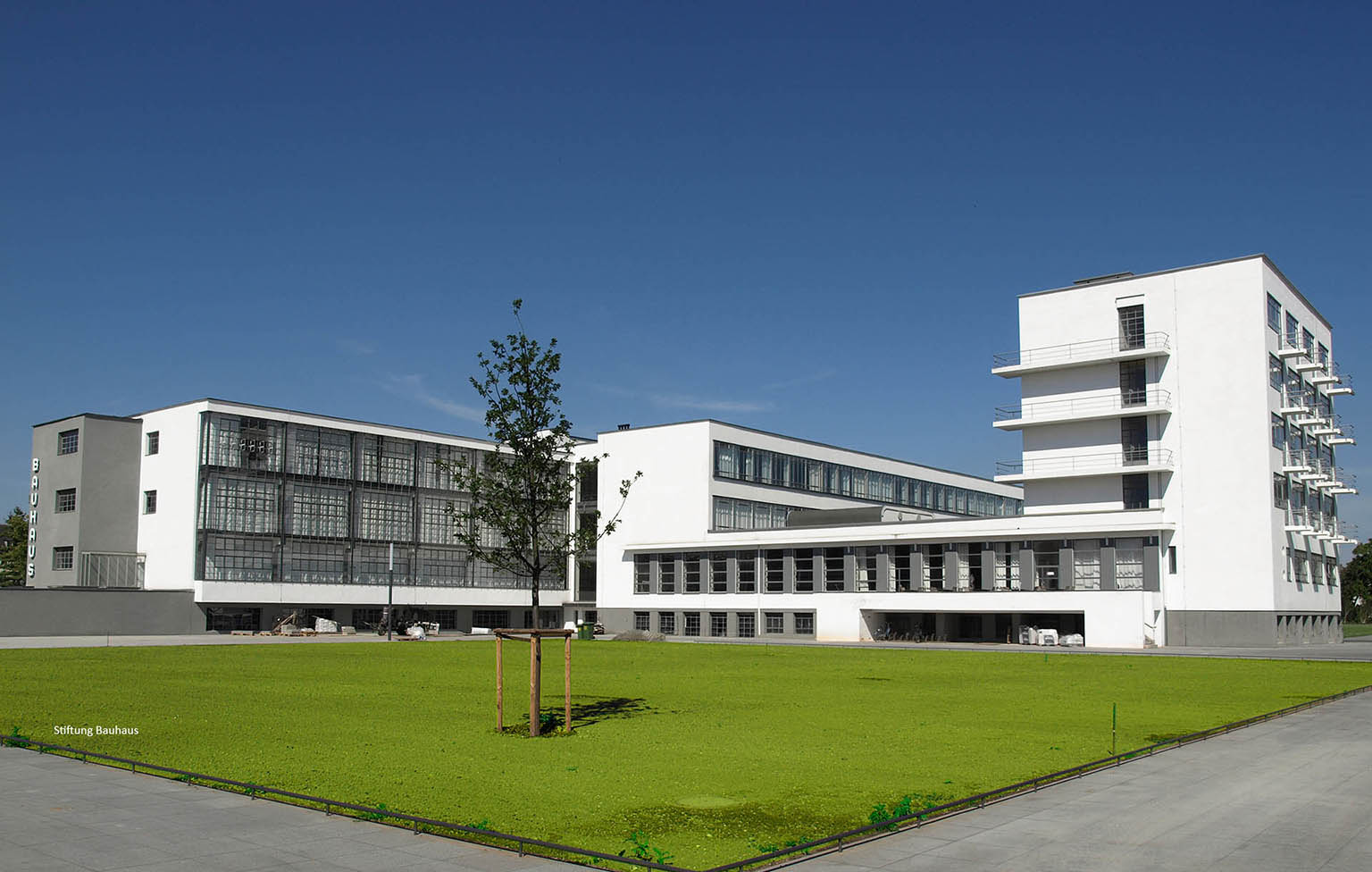 Bauhaus Dessau renovation with MHB classic-isos